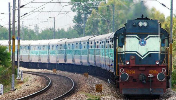 Indian Railways: Relaxation period reduced in railway station redevelopment contract, many more changes