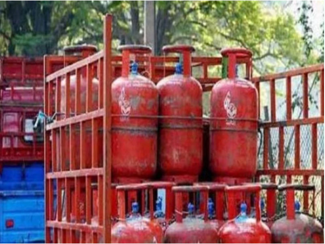 LPG Cylinder: Under this paytm offer you can get free gas cylinder, check details here