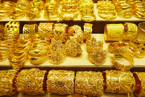 Gold Price Today: Gold and silver prices fall again, see today's new prices quickly