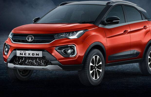 Tata Nexon Petro Vs Electric: Know who is best in terms of features, specifications and price