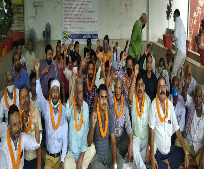 Big News: Hunger strike by employees and officers to increase BSNL 4G service and salary in Bihar