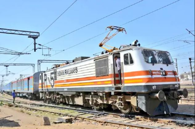 Indian Railways: Big News! Time table of these 28 trains is changing from October 1, check the complete list